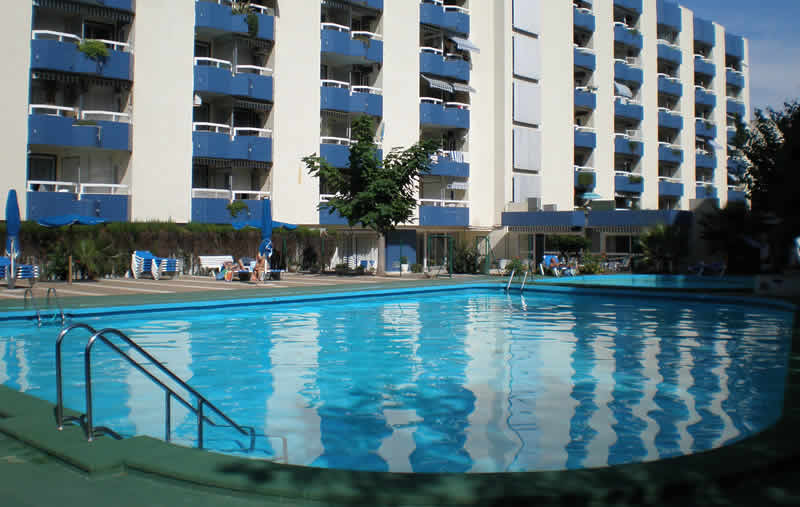 Apartments Alborán - Outdoor pool