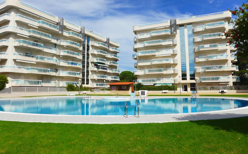 Apartments Larimar Rentalmar Families Only - Pool and garden